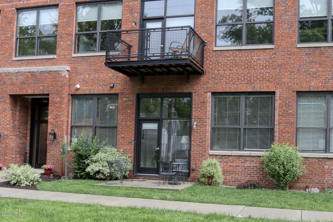 525 Superior Street, #100, South Haven, MI 49090, MLS # 19028614 | Jaqua  Realtors
