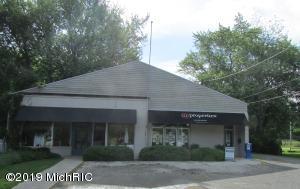 14939 Lakeside Road, Lakeside, MI 49116
