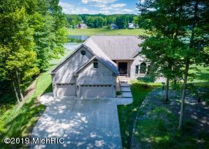 9410 Stonebridge Drive, Canadian Lakes, MI 49346