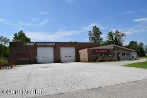 61005 Red Arrow Highway, Hartford, MI 49057