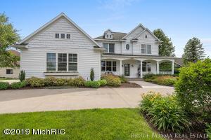 1467 Lakeside Drive, Hudsonville, MI 49426