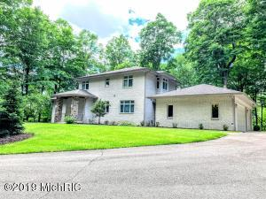 19798 Golfview Drive, Big Rapids, MI 49307