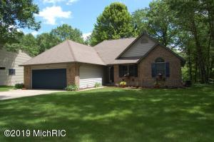 7240 River Ridge Road, Canadian Lakes, MI 49346