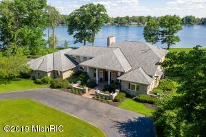 EXCEPTIONAL VALUE! 43535 Carla Dr., Paw Paw, MI 49079 | Presented by Jeff Leonard | Advanced Realty Global