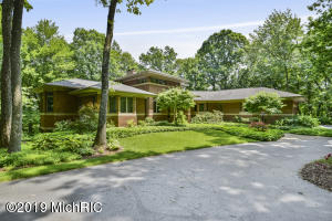 4166 Mystic Oak Court NE, Grand Rapids, MI 49525