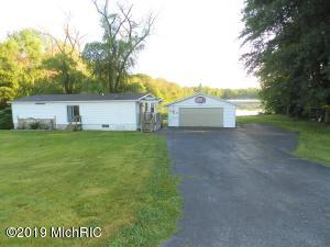 7047 Black Lake Road, Eau Claire, MI 49111