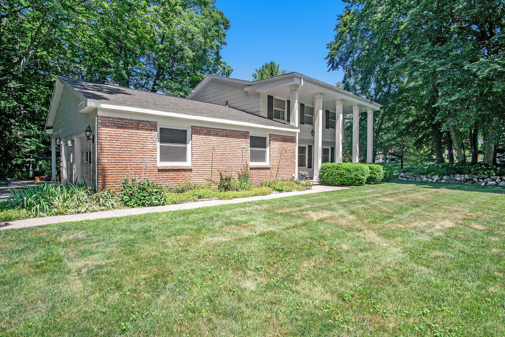 18547 Pawnee Drive, Spring Lake, MI 49456, MLS # 19033373 | Greenridge  Realty, Inc