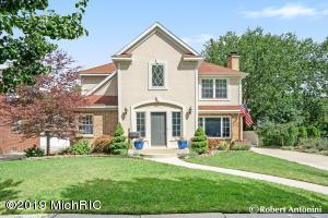 950 Bellclaire Avenue SE, East Grand Rapids, MI 49506
