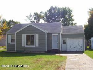 1336 Beechwood Street NE, Grand Rapids, MI 49501