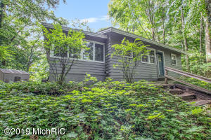 2434 Cardinal Lane, Holland, MI 49424