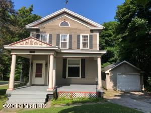 410 Cedar Street, Manistee, MI 49660