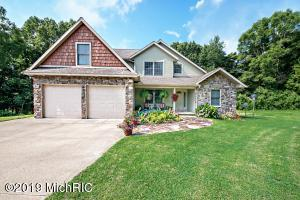 700 Oak Crest Lane, Benton Harbor, MI 49022
