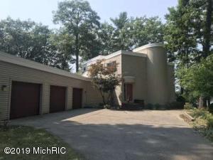 510 Lake Drive, North Muskegon, MI 49445