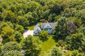 17076 Donahue Woods Drive, West Olive, MI 49460