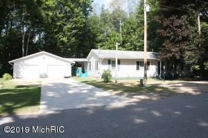 7575 Eighth Street, Canadian Lakes, MI 49346