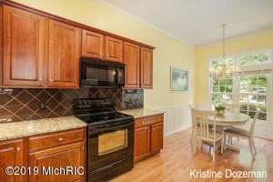 2015 N Cross Creek Drive SE 54, Grand Rapids, MI 49508
