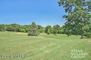 12245 Crockery Creek Drive, Ravenna, MI 49451