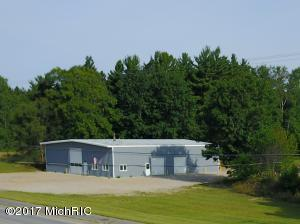 1868 W US-10 Highway, Scottville, MI 49454