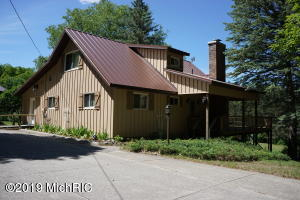 2960 A S 13 RD, Harrietta, MI 49638