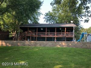 56014 Driftwood Drive, Colon, MI 49040
