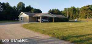 4110 W Houghton Lake Road, Lake City, MI 49651