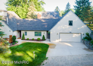 7799 W Lake Drive, Canadian Lakes, MI 49346