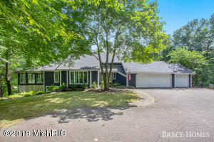 4400 Secluded Lake Drive NE, Rockford, MI 49341