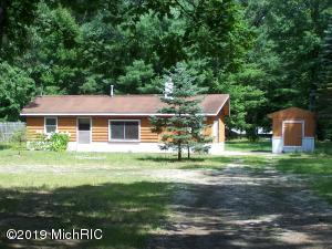 70 N Alpine Drive, Fountain, MI 49410