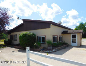 14021 Nine Mile Road, Kaleva, MI 49645