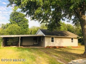 6607 Mt Hope Road, Carson City, MI 48811