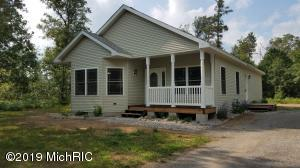 4020 W Pinecrest Road, Grayling, MI 49738
