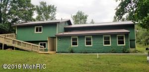 9680 N Maple Island Avenue, Walkerville, MI 49459