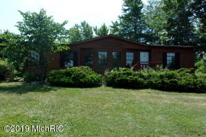 Property for sale at 15 W Sisson Road, Freeport,  Michigan 49325