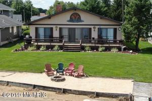 7360 Holiday Drive, Canadian Lakes, MI 49346