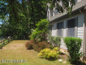 6245 N Larson Road, Fountain, MI 49410