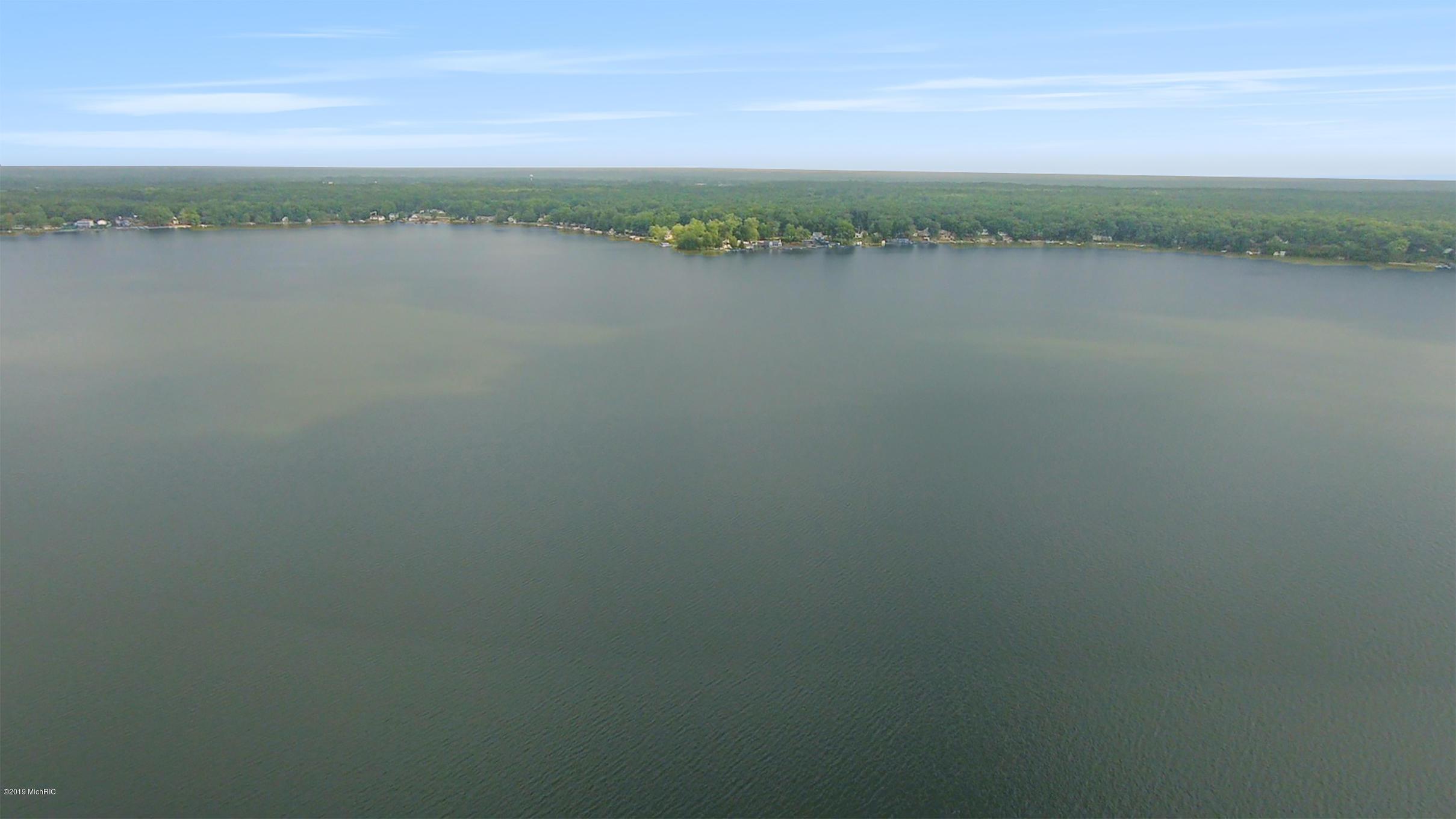 755 acre all-sports Hess Lake