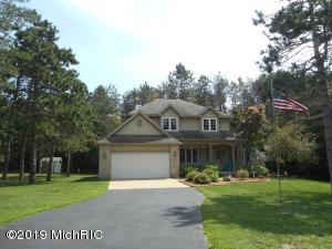 1480 Black Hills South Drive, Kent City, MI 49330