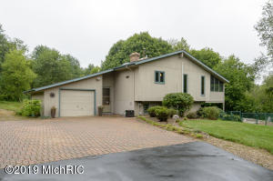 8673 E B Avenue, Richland, MI 49083