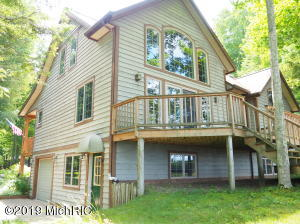5050/5065 W Fox Farm Road, Manistee, MI 49660