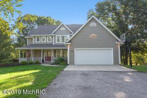 615 Pine Hills Lane, Benton Harbor, MI 49022
