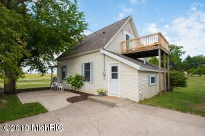 4023 17 Mile, Kent City, MI 49330