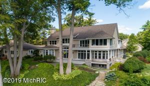 16180 Highland Drive, Spring Lake, MI 49456