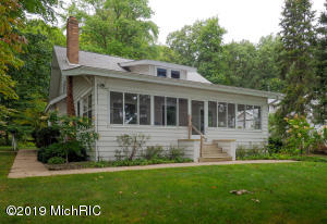 371 S Gull Lake Drive, Richland, MI 49083