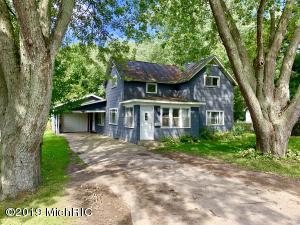 1509 Emerson Street, Lake Odessa, MI 48849