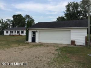 9120 20 Mile Road NE, Sand Lake, MI 49343