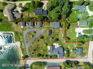 3347 W Lake Street, Hessel, MI 49745