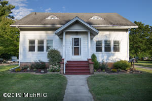 142 N Main Street, Clarksville, MI 48815