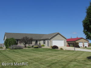 55471 Snowberry Road, New Carlisle, IN 46552