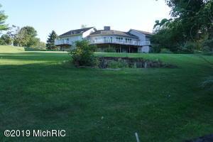 10785 Meadowbrook Court, Berrien Springs, MI 49103