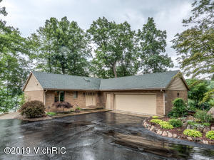 28677 Northern Bluff Drive, Gobles, MI 49055